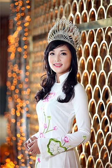 Vì sao Hoa hậu Triệu Thị Hà trả lại vương miện? 7