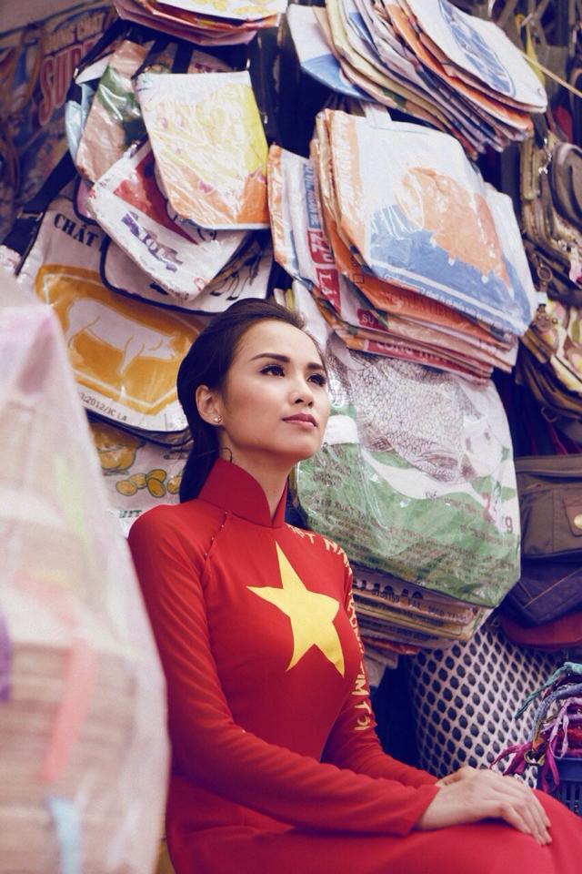 Hoa hậu Diễm Hương tạo ấn tượng đẹp với áo dài màu cờ Việt Nam 7