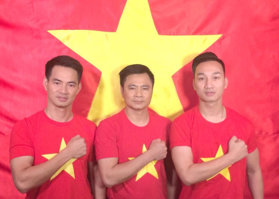 Sao Việt cháy rực trong sắc cờ đỏ sao vàng hướng về biển Đông 9