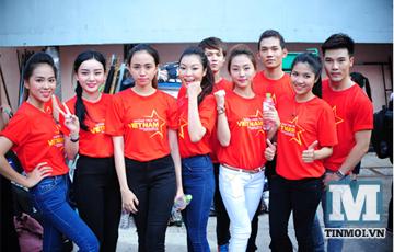 Hot boy hot girl Việt hào hứng làm MV về biển Đông 5