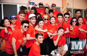 Hot boy hot girl Việt hào hứng làm MV về biển Đông 6