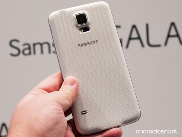 Samsung: 'Apple quan liêu như Việt Nam' 6