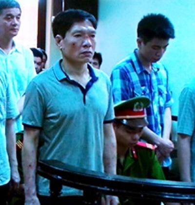 Nóng: Cựu đại tá Dương Tự Trọng được giảm 2 năm tù 5