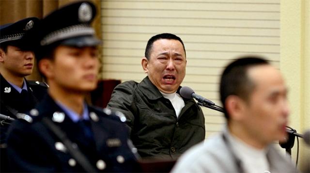 Đại gia khai thác mỏ òa khóc khi nghe tuyên án tử 6