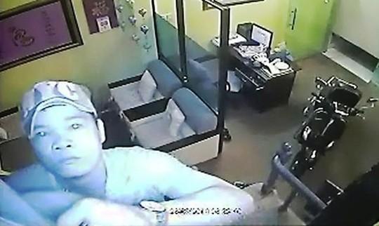 Bắt tên trộm đột nhập nhà tiến sĩ Huỳnh Văn Sơn 5