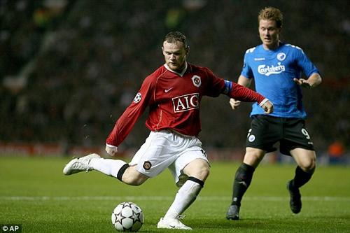 Rooney khẳng định vẫn muốn đeo băng đội trưởng M.U 6