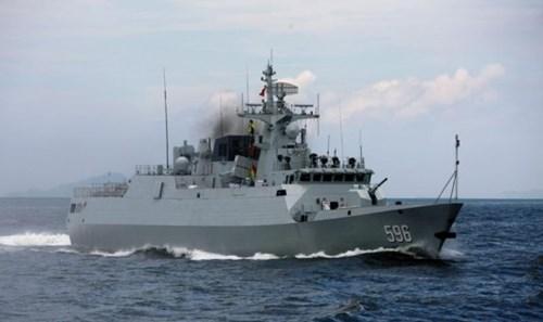 Tàu hộ vệ tên lửa TQ rút ra xa giàn khoan - thế giới lo ngại chiến tranh tại châu Á 5