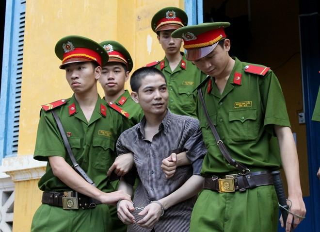 Kẻ giết người chặt xác mỉm cười khi bị tuyên án tử hình 6