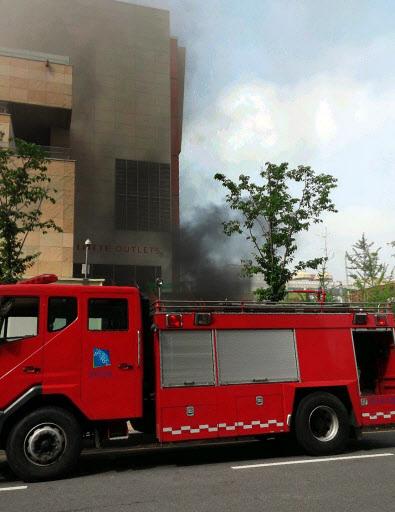 Hàn Quốc: Cháy nhà chờ xe bus, 34 người thương vong 8