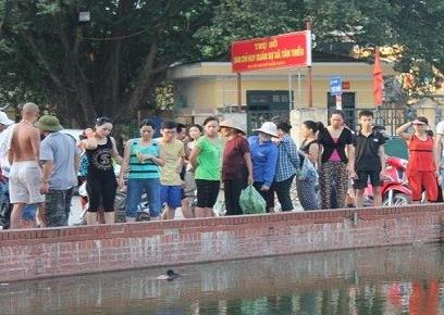 Hà Nội: Xác chết nổi lập lờ trên hồ Triều Khúc 5