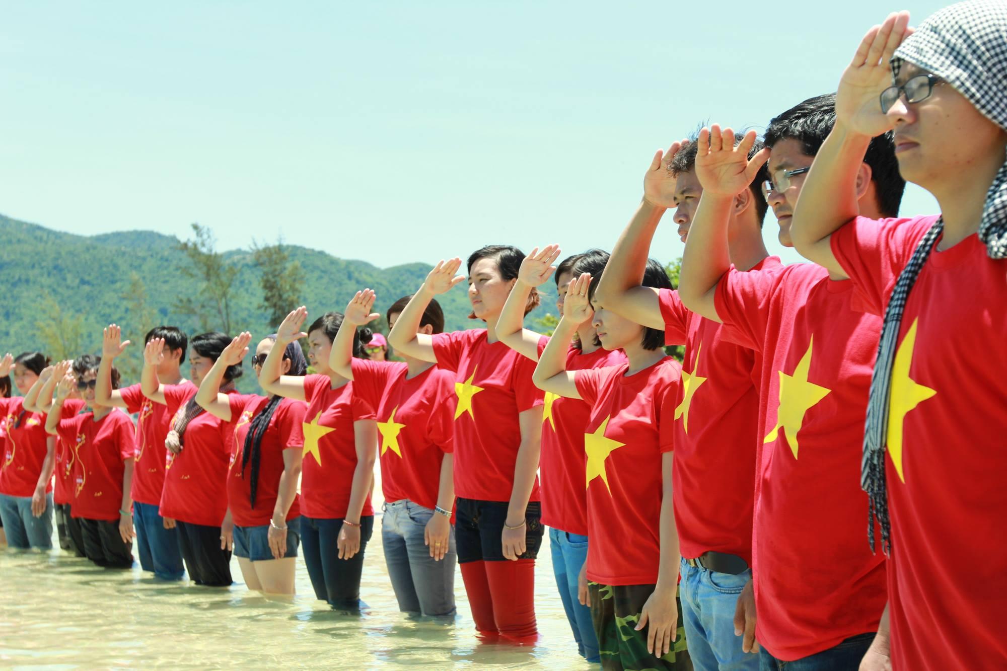 Tình hình biển Đông ngày 28/5: Tàu Trung Quốc tiếp tục dùng vòi rồng tấn công tàu Kiểm ngư Việt Nam 6