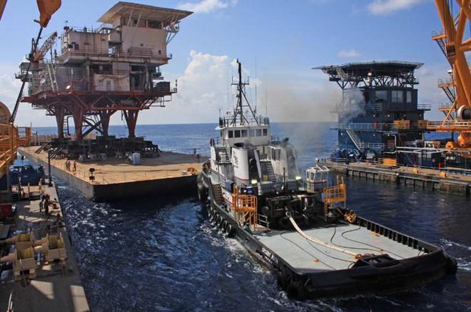 Cận cảnh quá trình tháo dỡ giàn khoan trên biển 14