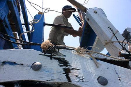 Điểm lại những vụ tàu TQ uy hiếp, đâm chìm tàu cá ngư dân Việt Nam trong tháng 5 6
