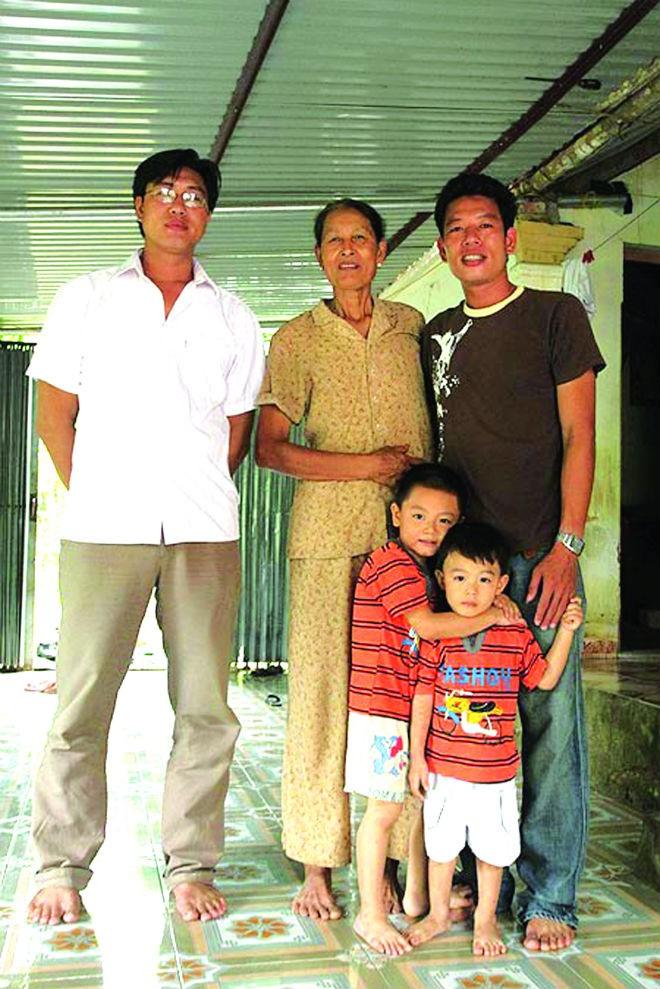 Chiều cao khó tin của gia đình ngôi sao bóng chuyền Văn Kiều 6