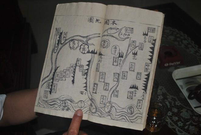 Đập nhà, tìm thấy sách cổ ghi rõ chủ quyền Hoàng Sa 6