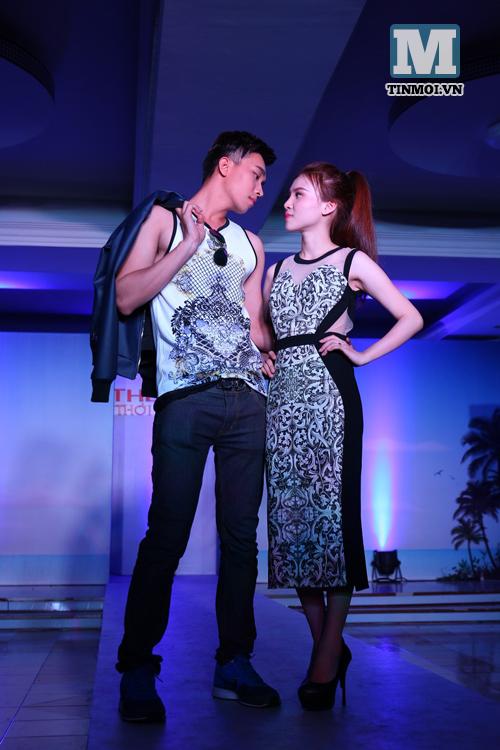 Các thí sinh Ngôi Sao Mới - Hotgirl Hotboy tự tin trong đêm thi catwalk 11