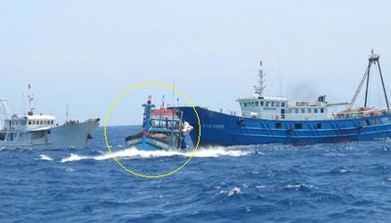 Trung Quốc ngụy biện: Tàu Việt Nam chìm do tự đâm vào giàn khoan 981 6