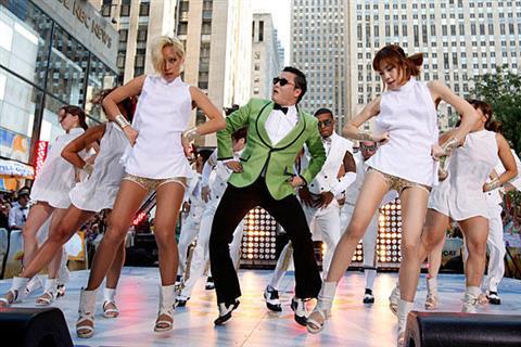 Hình ảnh Cơn sốt Gangnam Style vượt mốc 2 tỷ lượt xem trên Youtube số 3