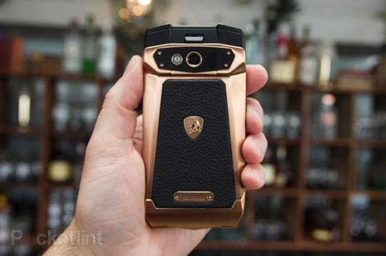 Lóa mắt với smartphone Lamborghini giá gần 100 triệu đồng 7