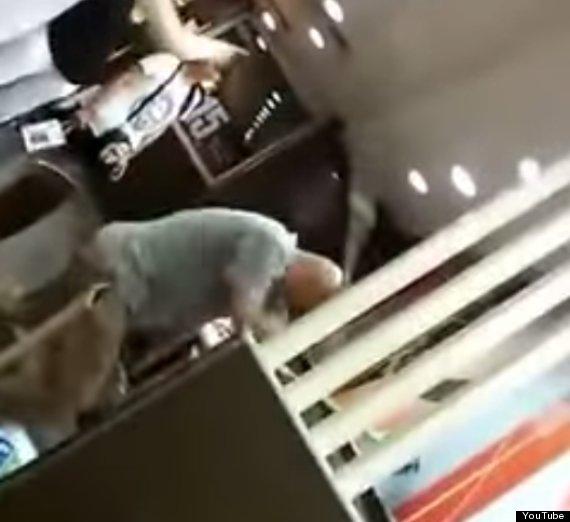 Trung Quốc: Một phụ nữ bị đánh chết trước mặt nhiều người ở McDonalds 7