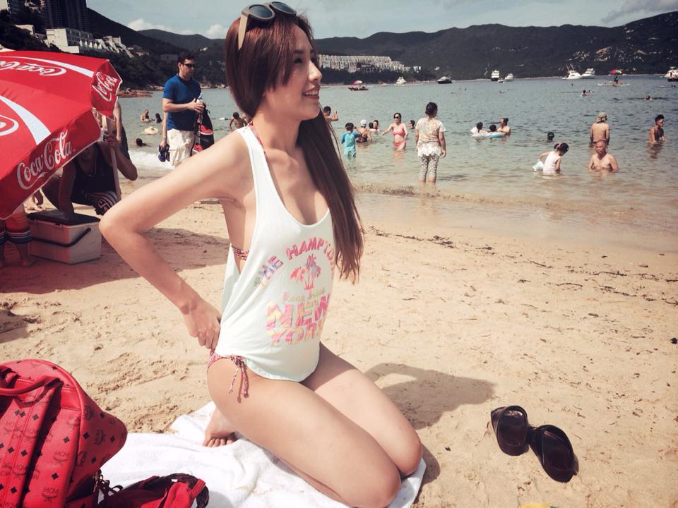 Mai Phương Thúy đẹp mê hồn trên bãi biển Hồng Kông 7