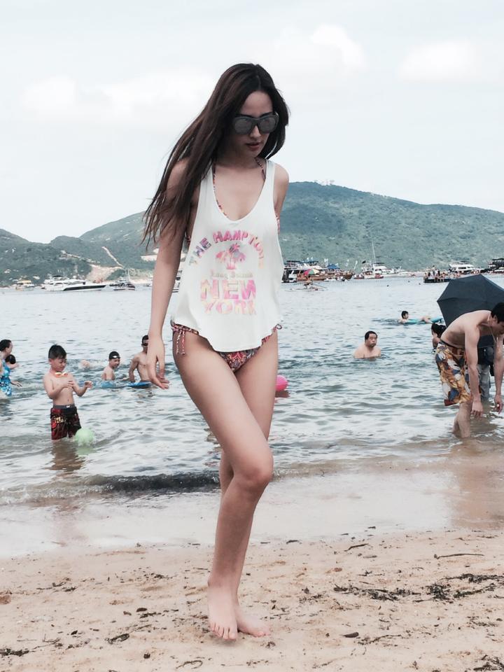 Mai Phương Thúy đẹp mê hồn trên bãi biển Hồng Kông 11
