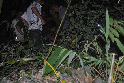 Ghen tuông, chồng dùng rìu giết vợ rồi vào rừng tự tử 6
