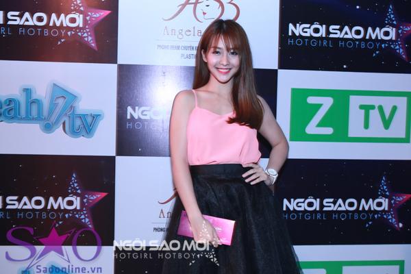 HotGirl Angela Minh Châu đoạt giải quán quân