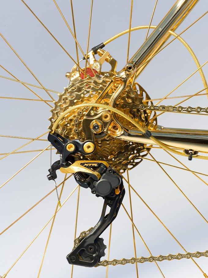 Xe đạp xa xỉ nhất thế giới : Bọc vàng 24K 7