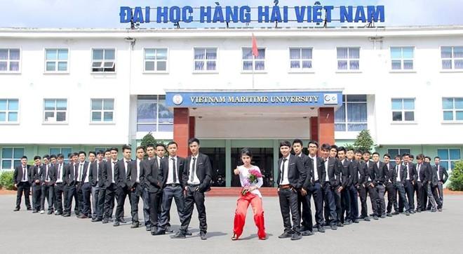 Ảnh kỷ yếu bá đạo của sinh viên ĐH Hàng hải 4