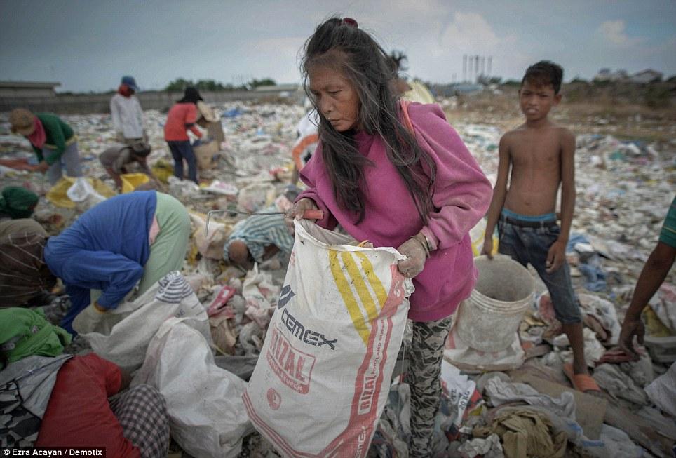 Cận cảnh cuộc sống trong bãi rác khổng lồ 5