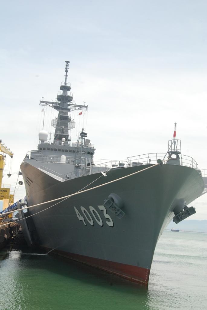 Cận cảnh sức mạnh tàu đổ bộ Nhật Bản vừa đến Đà Nẵng 6