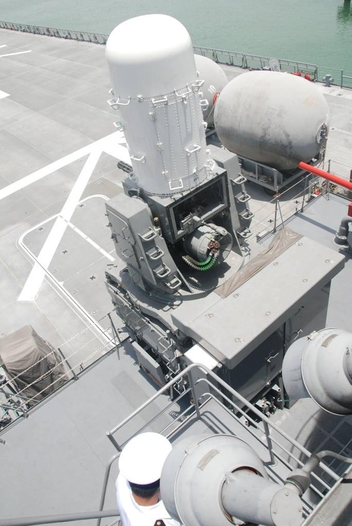 Cận cảnh sức mạnh tàu đổ bộ Nhật Bản vừa đến Đà Nẵng 13