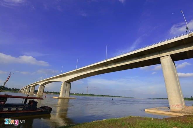Toàn cảnh cầu vượt sông Hồng dài nhất Việt Nam 10