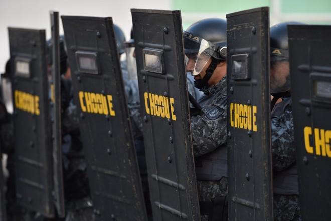Brazil tê liệt vì bạo loạn trước ngày khai mạc World Cup 2014 11