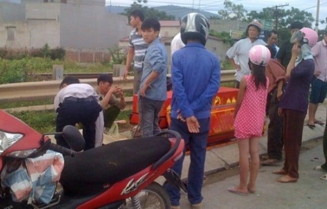 Tai nạn giao thông nghiêm trọng, thi thể nạn nhân bị cắt nhiều mảnh 4