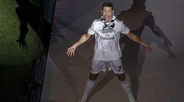 Nhìn lại  5 năm Cristiano Ronaldo làm chấn động thế giới 6