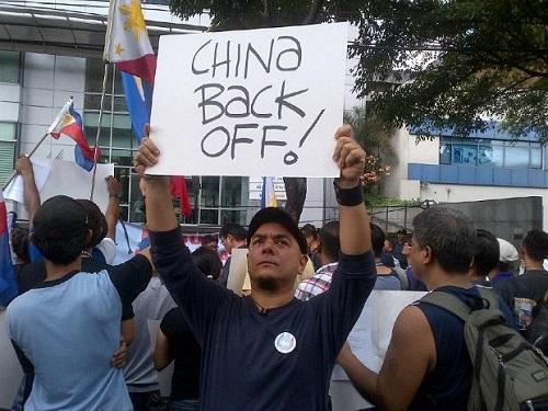 Tình hình Biển Đông: Philippines kéo tới đại sứ quán Trung Quốc biểu tình 5