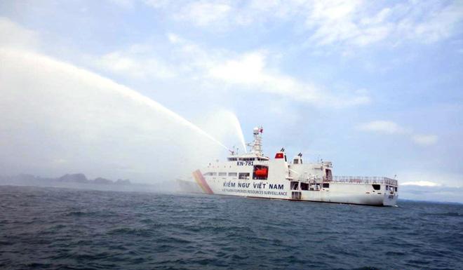 Uy lực vòi rồng của tàu kiểm ngư KN-781 hiện đại nhất Việt Nam 8