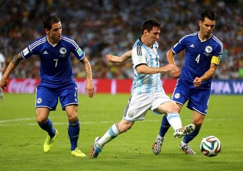 Messi solo tuyệt đỉnh, Argentina thắng nhẹ Bosnia 6