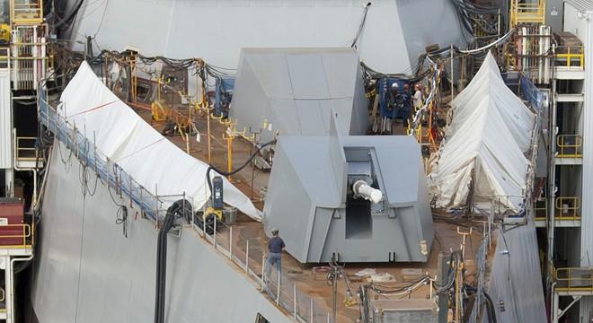 Cận cảnh chiến hạm tàng hình 3,5 tỷ USD của Hải quân Mỹ 11