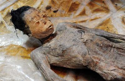 Cận cảnh xác ướp 600 năm vẫn còn nguyên vẹn  8