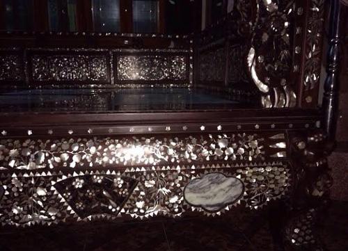 Giường 'công chúa', gối gỗ sưa của đại gia Kinh Bắc 7