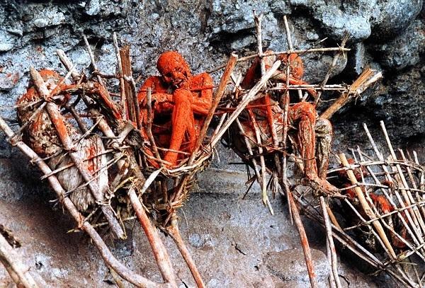 Khám phá những nghĩa địa rùng rợn và đáng sợ nhất thế giới 6