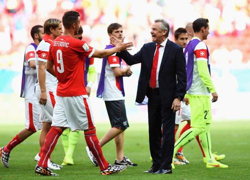 Thụy Sỹ 2-1 Ecuador: Chiến thắng phút bù giờ 6