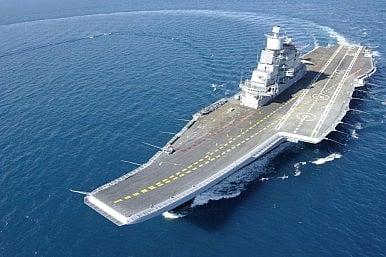 """Ấn Độ tung ra tàu chiến """"khủng"""" nhất: INS Vikramaditya 6"""