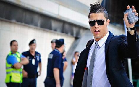 Ronaldo được bảo vệ hơn cả nguyên thủ quốc gia tại World Cup 2014 Brazil 8