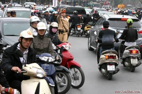 Đội mũ bảo hiểm rởm sẽ bị phạt đến 200.000 đồng 5