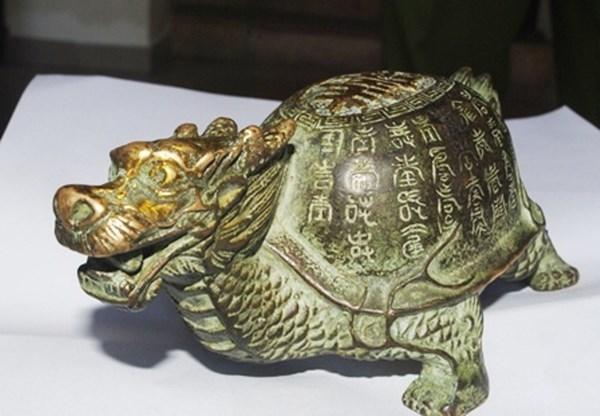Phát hiện rùa đồng cổ mạ vàng, đem cầm cố lấy 25 triệu đồng 8