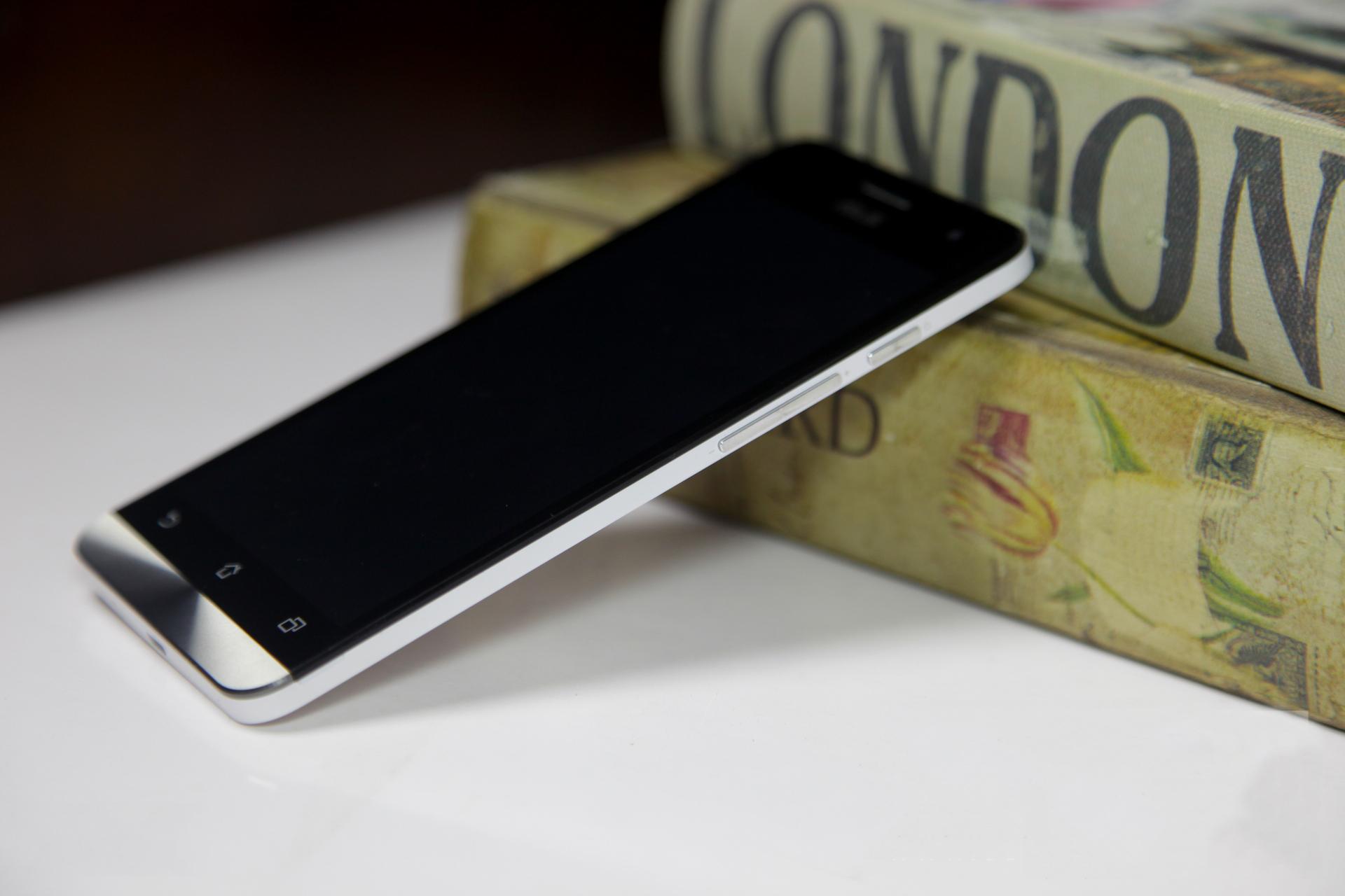 Zenfone 6 chính thức lên kệ, giá bán 5,9 triệu đồng 9